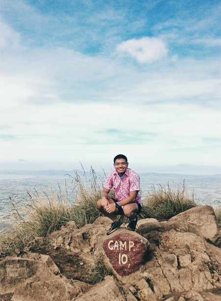 The traveling pink polo re-conquers Mt. Batulao!