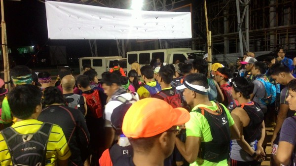 Runners waiting for the start signal