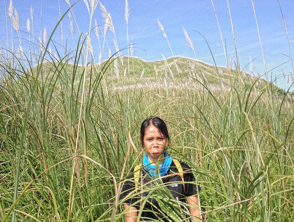 Kalisungan's 3 peaks behind my legit mountaineer friend